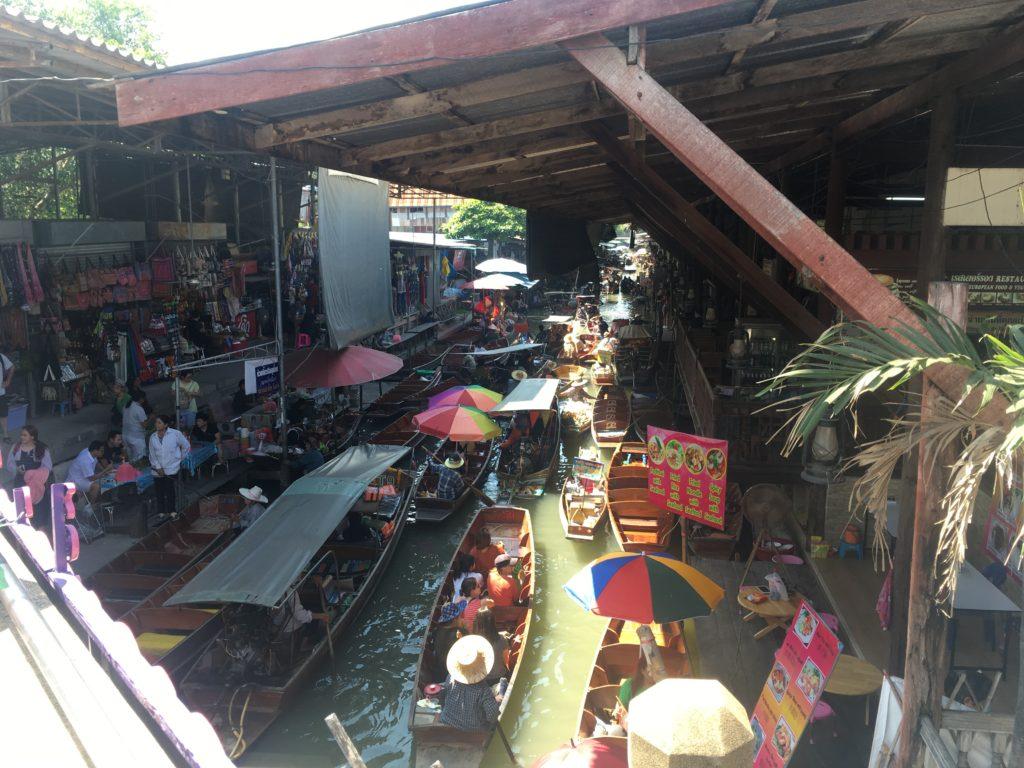 タイ水上マーケット風景