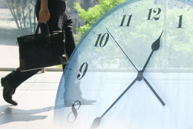 ビジネスマンと時計