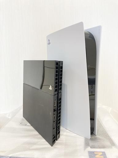 【必読!】PS5の純正電源ケーブルはここで買う!PS4よりかなり大きいPS5